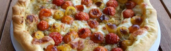 Cherry tomato, mozzarella and olive tart